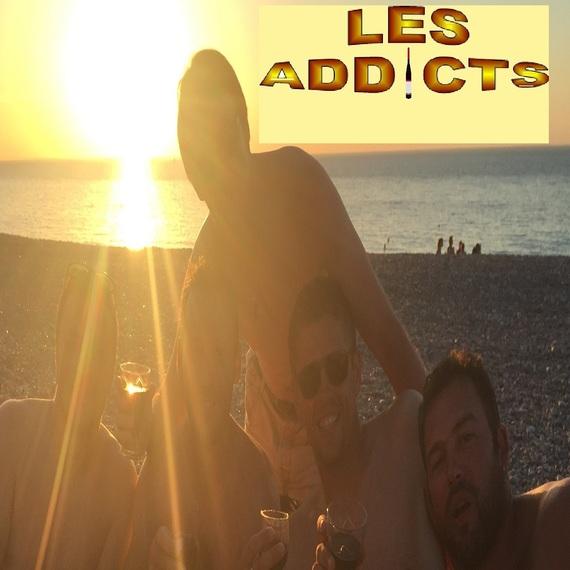 093. Les addicts